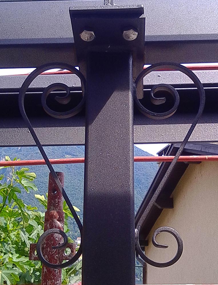 Particolare-tettoia-in-ferro-2-